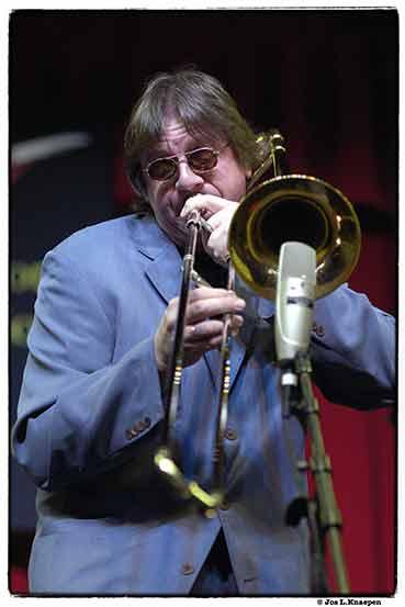 [img]http://www.jazzmasters.nl/gif/herwig_conrad_12.jpg[/img]